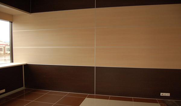 горизонтальная обшивка МДФ панелями