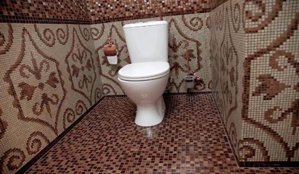 облицовка туалета мелкой плиткой