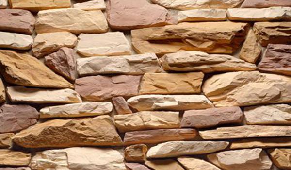 Укладка натурального декоративного камня