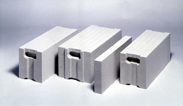 вид газобетонного блока c системой «паз-гребень»