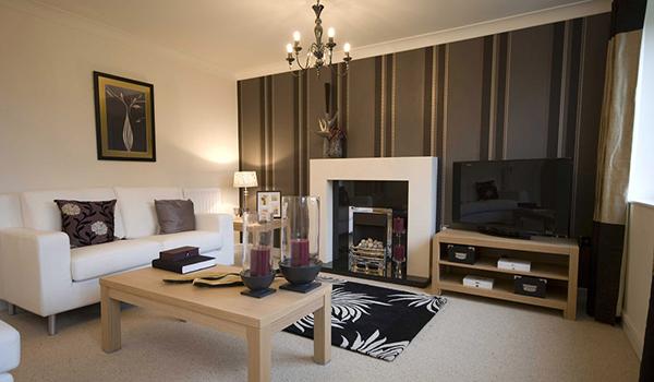 декор комнаты разными обоями с резким переходом