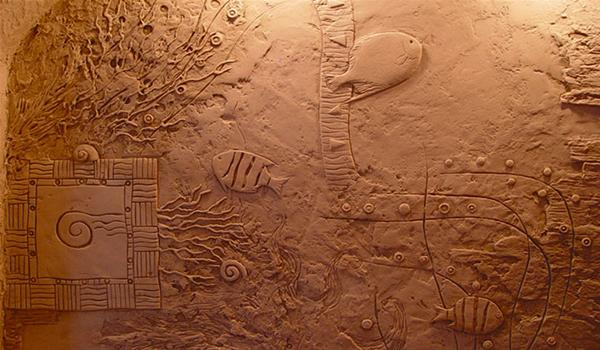 художественная композиция на стене
