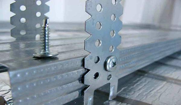 скручивание алюминиевых профилей