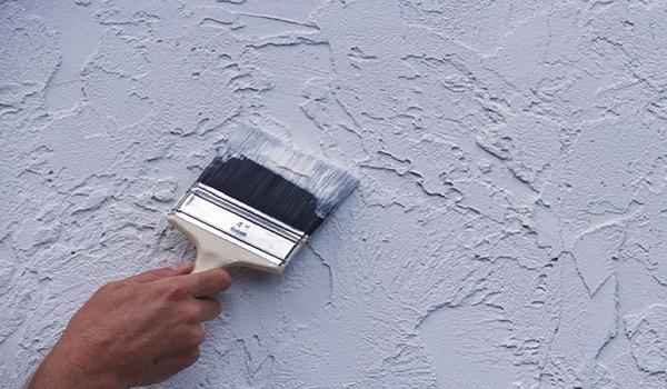 покраска декоративного покрытия