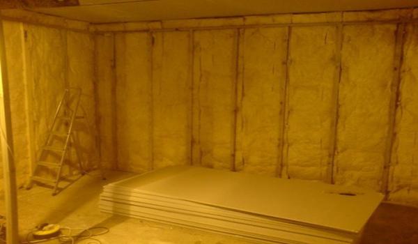 монтаж утеплителя в бане враспор
