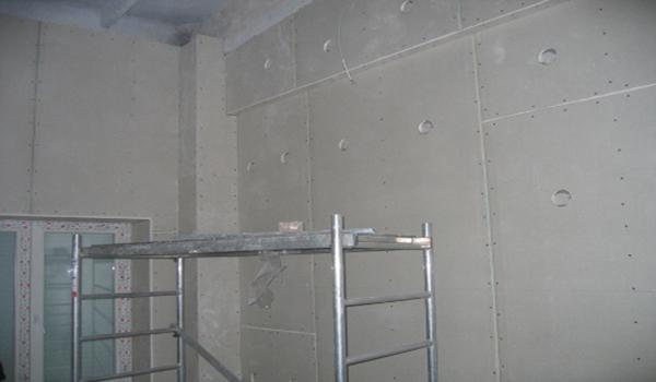 готовая стена обшитая гипсокартоном