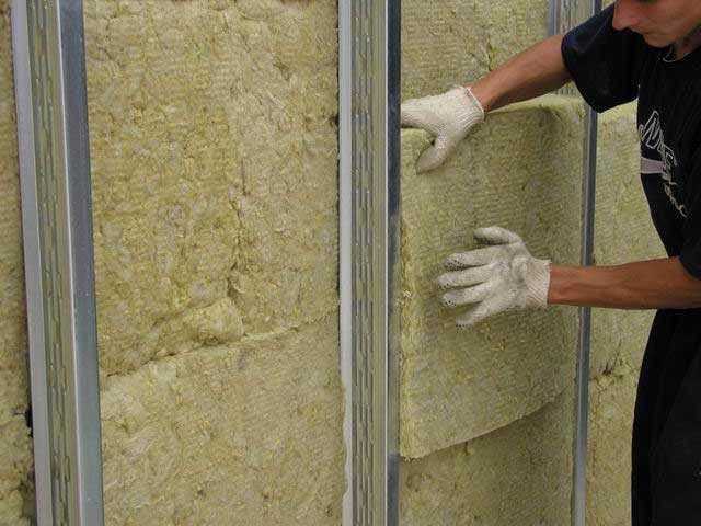 минеральная вата на стене