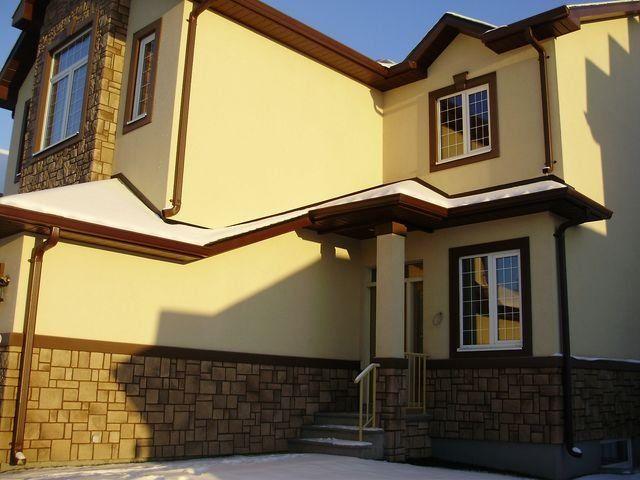 фасад дома с короедом