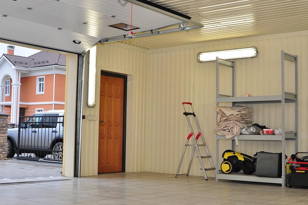 ПВХ-панели в гараже