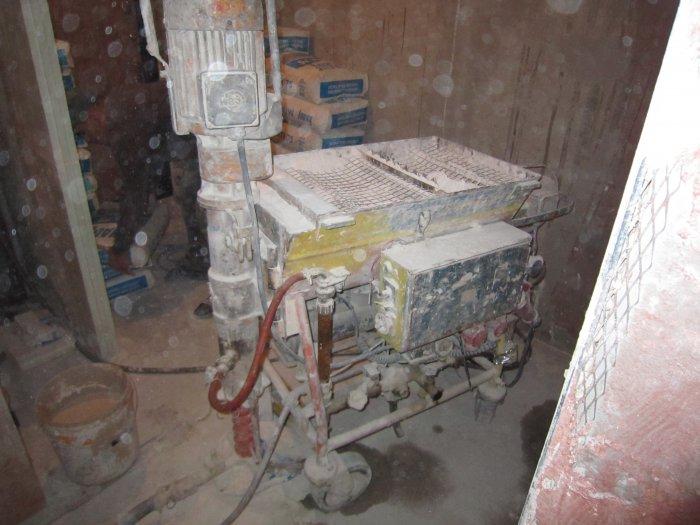 Машина для оштукатуривания стен