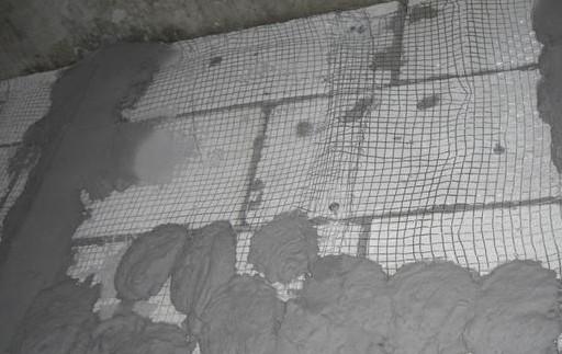 процесс штукатурки газобетона с сеткой