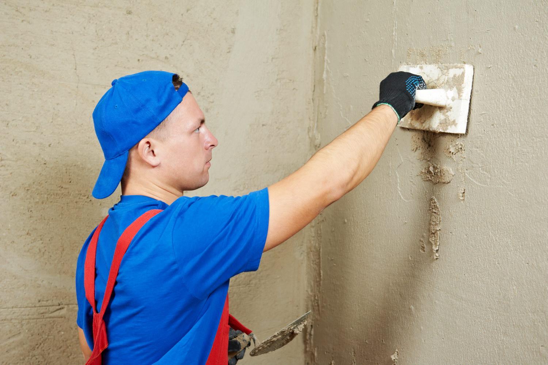 Выравнивание стен цементно-песочным раствором