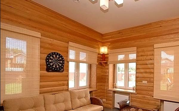 комната, отделанная блок хаусом