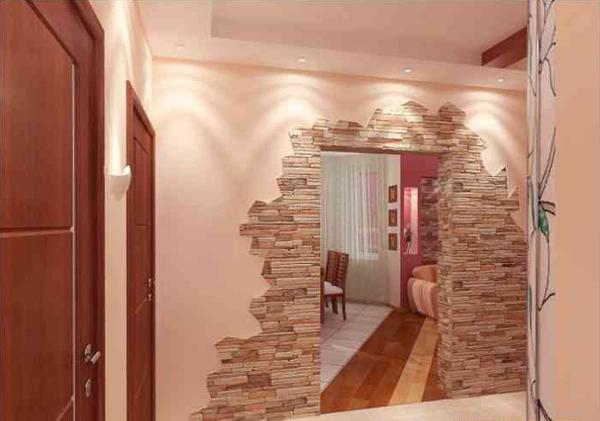 Дверной проем, облицованный камнем