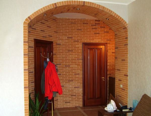 Межкомнатная арка, облицованный гипсовым кирпичом