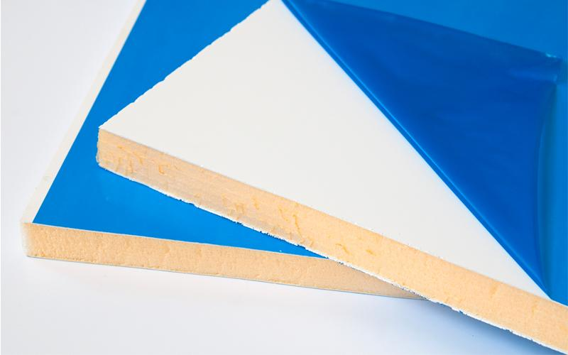 Сэндвич-панель с синей пленкой