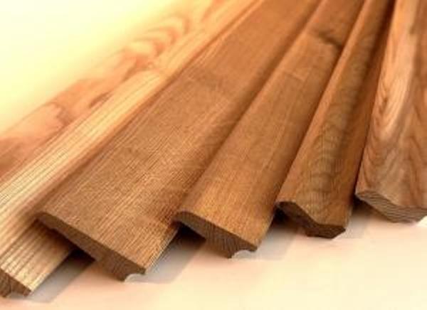 Шпонированные деревянные плинтуса фото