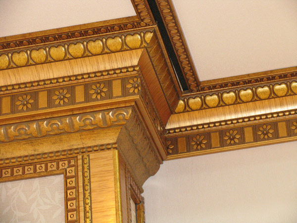 Декорированные деревянные багеты фото