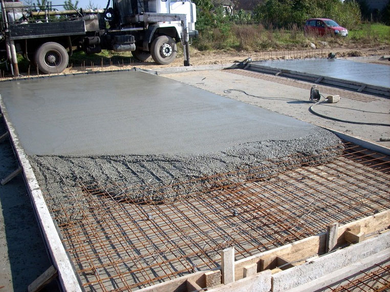 Монолитный фундамент для гаража из сип панелей