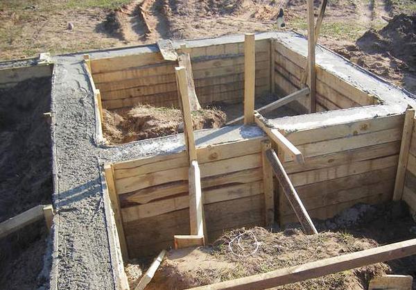 Строительство цоколя гаража из шлакоблоков