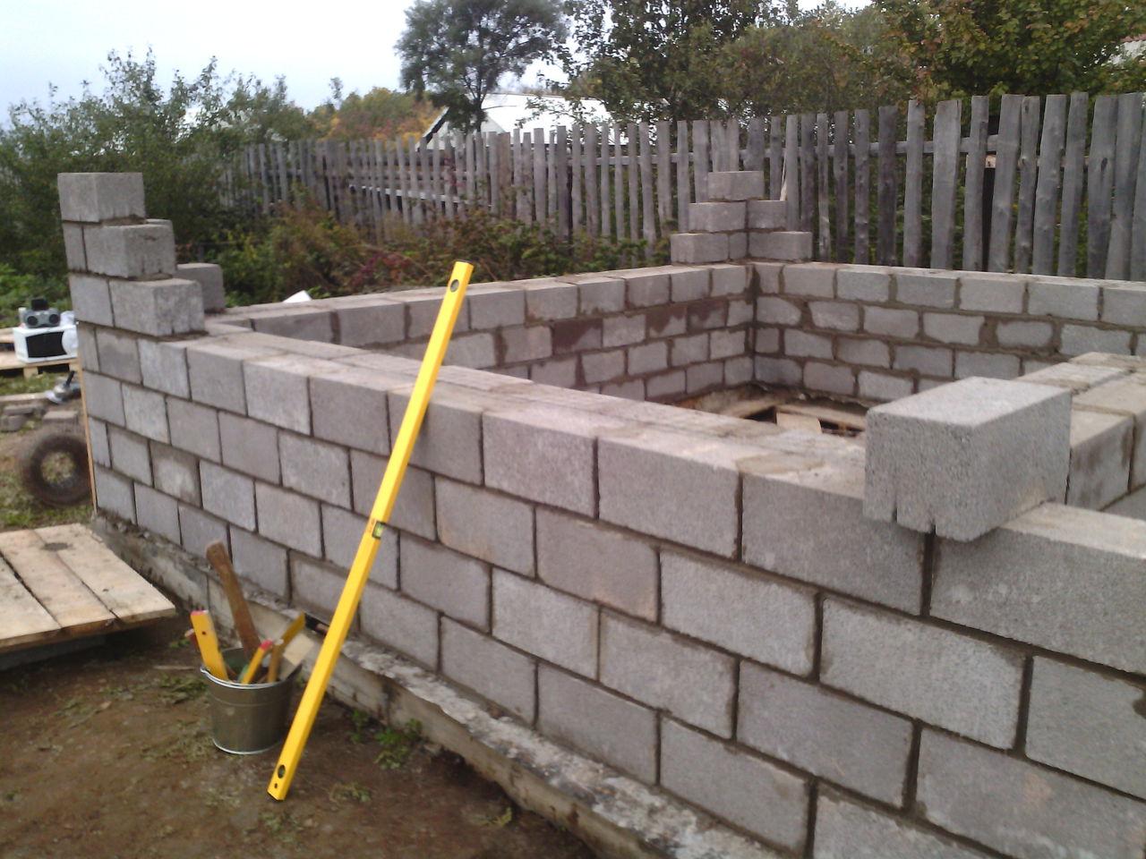 Строительство гаража из керамзитобетонных блоков