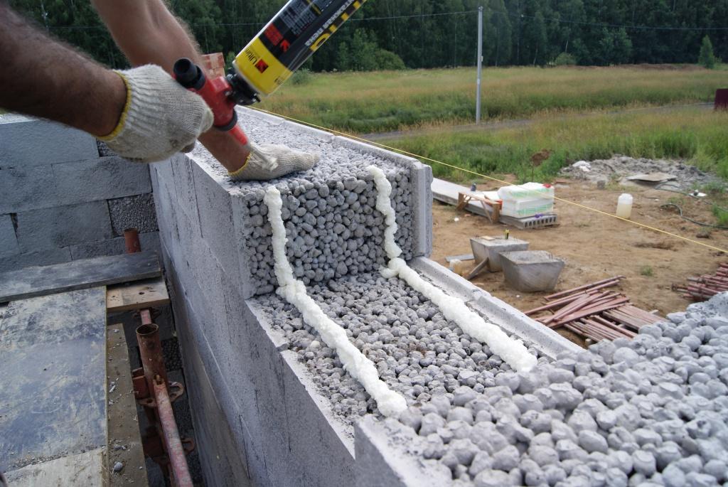 Строительство стен из керамзитобетонных блоков