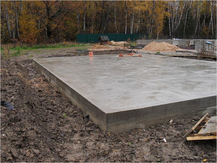 Плитный фундамент под гараж из керамзита