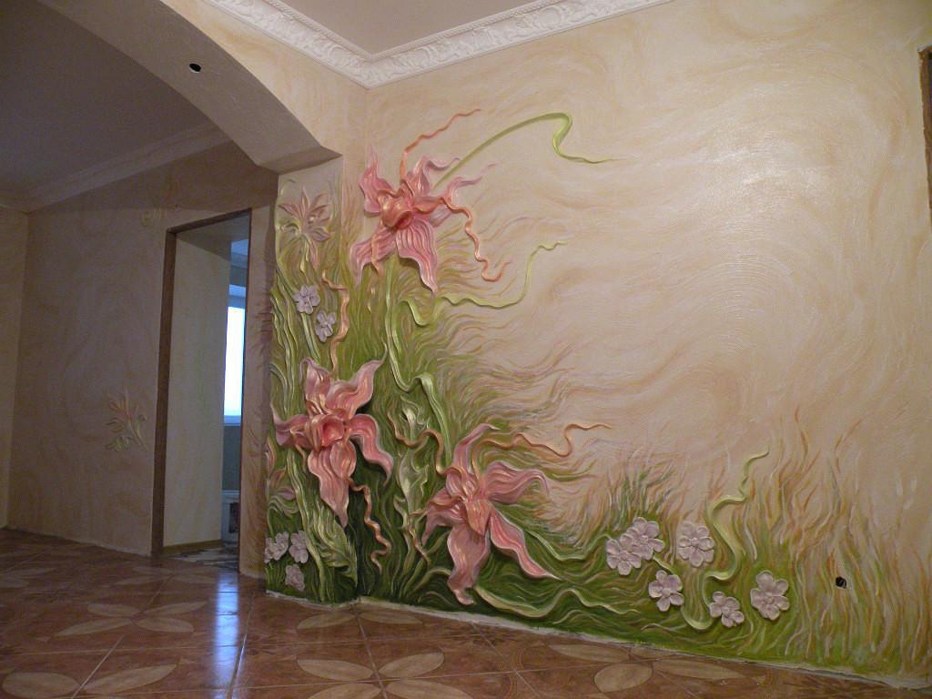 Объемная декоративная штукатурка на стене