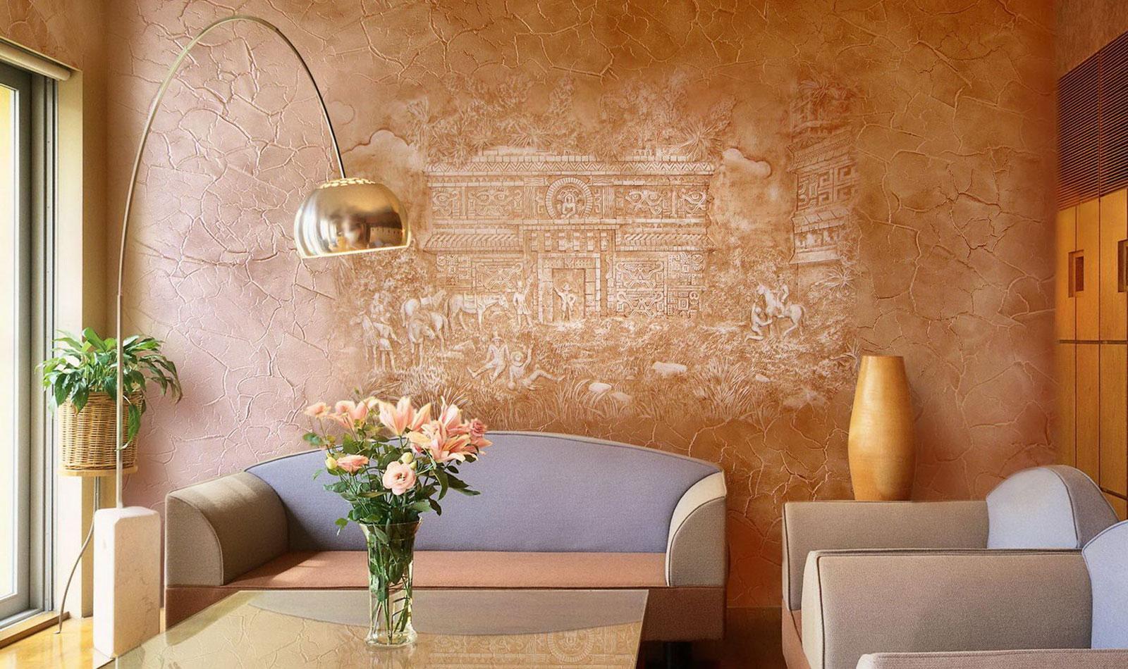 Картина на стене из декоративной штукатурки