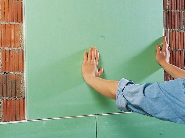 Монтаж гипсокартона на стену с помощью клея