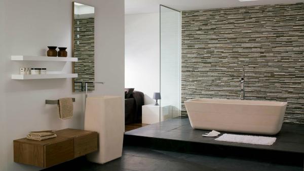 Роскошная отделка ванной искусственным камнем