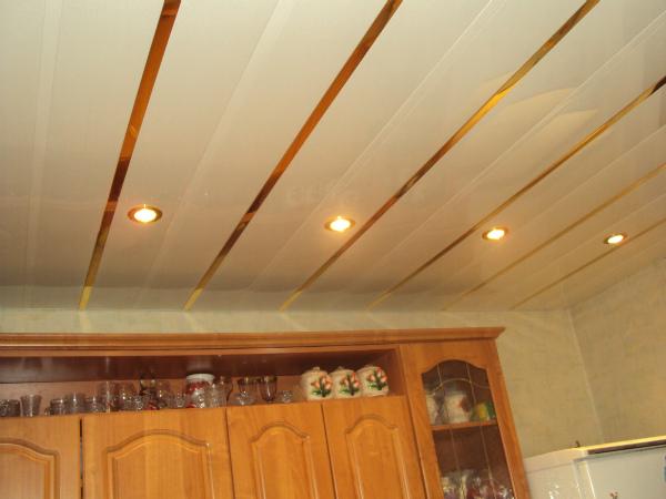 Обивка вагонкой потолка в деревянном доме