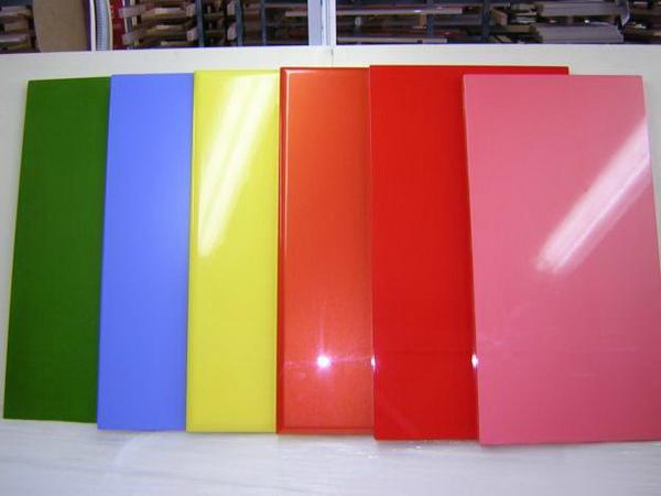Варианты разноцветных мебельных панелей
