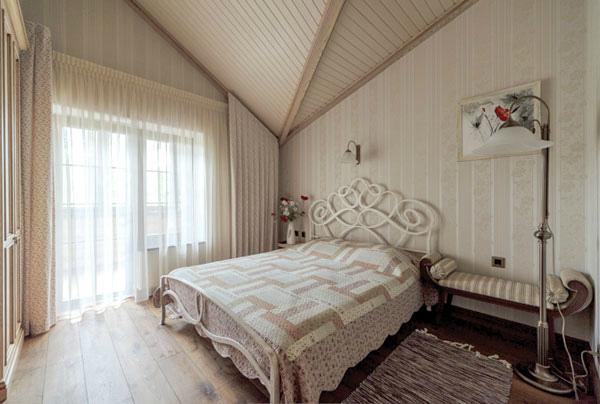 Белая доска в дизайне спальни