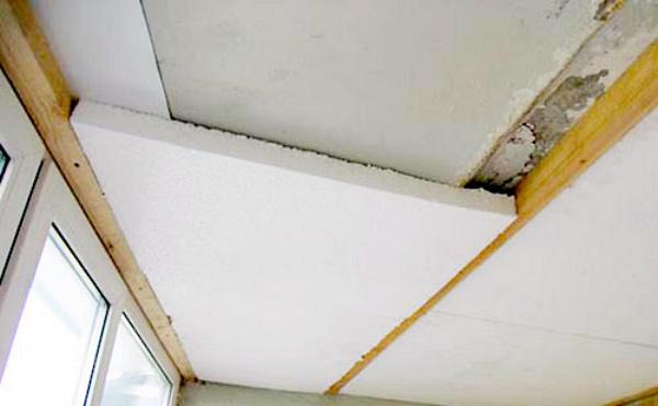 Крепление пенопласта к потолку балкона