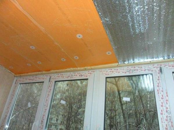 Утепление потолочной поверхности на балконе пенополистиролом