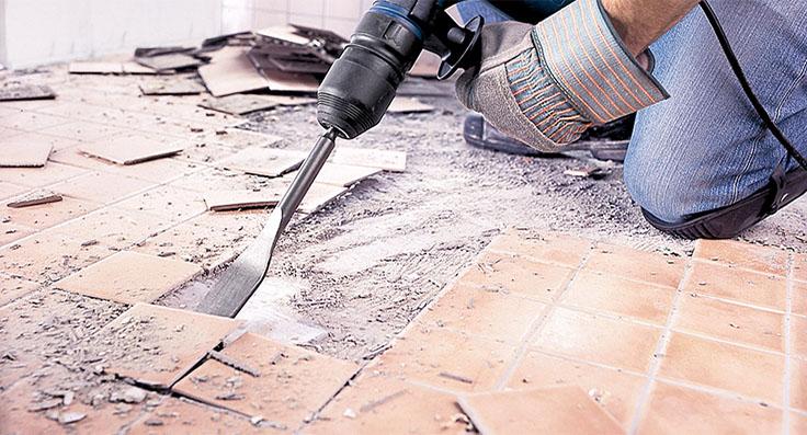Демонтажные работы – важный этап, если вы затеяли перепланировку.