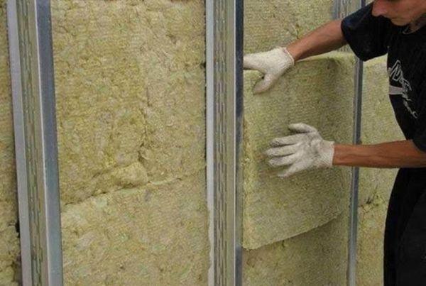 Плотная минераловатная плита считается одним из самых доступных теплоизоляторов