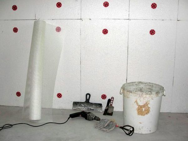 Самым энергоэффективным методом утепления гаража считается пенопласт